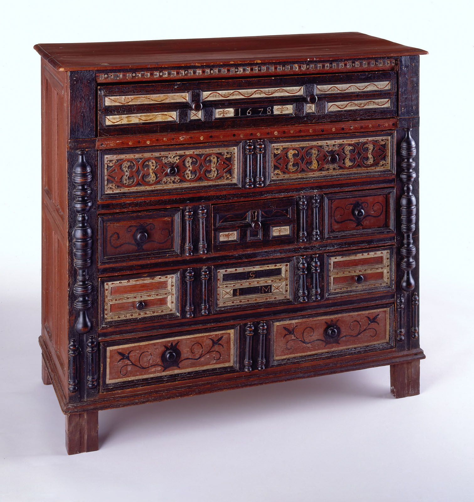 Furniture - Chest of drawers