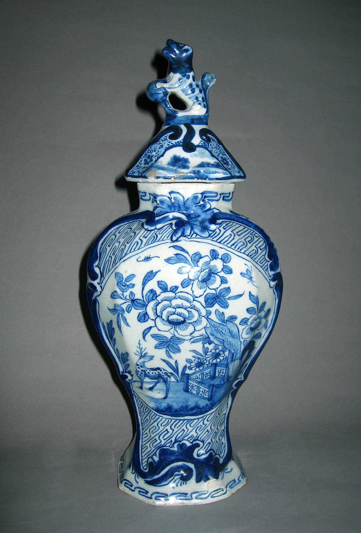 1960.0084.001 A, B Delft covered vase