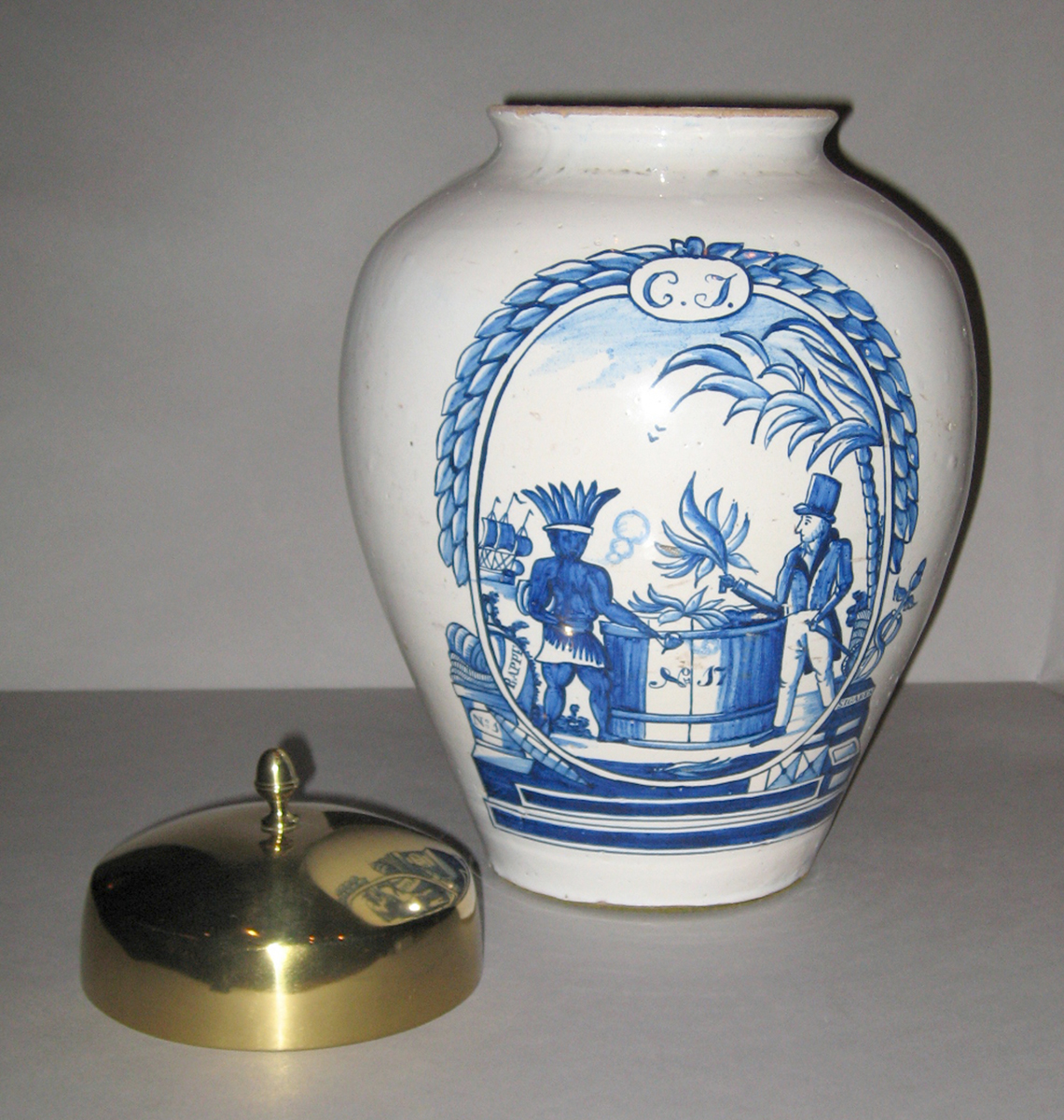 1952.0312.002 Dutch Delft tobacco jar