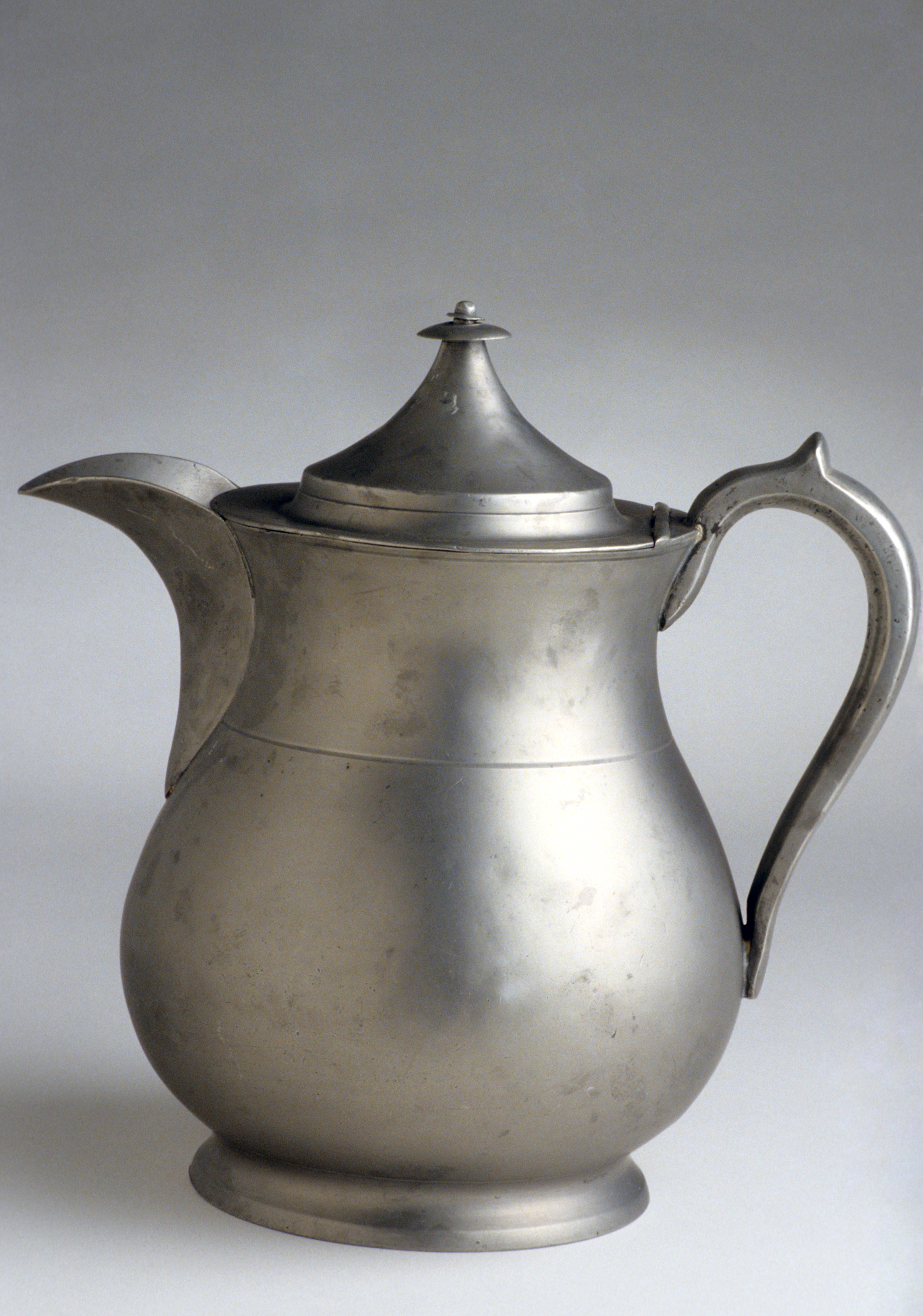 1956.0046.009 Pewter pitcher