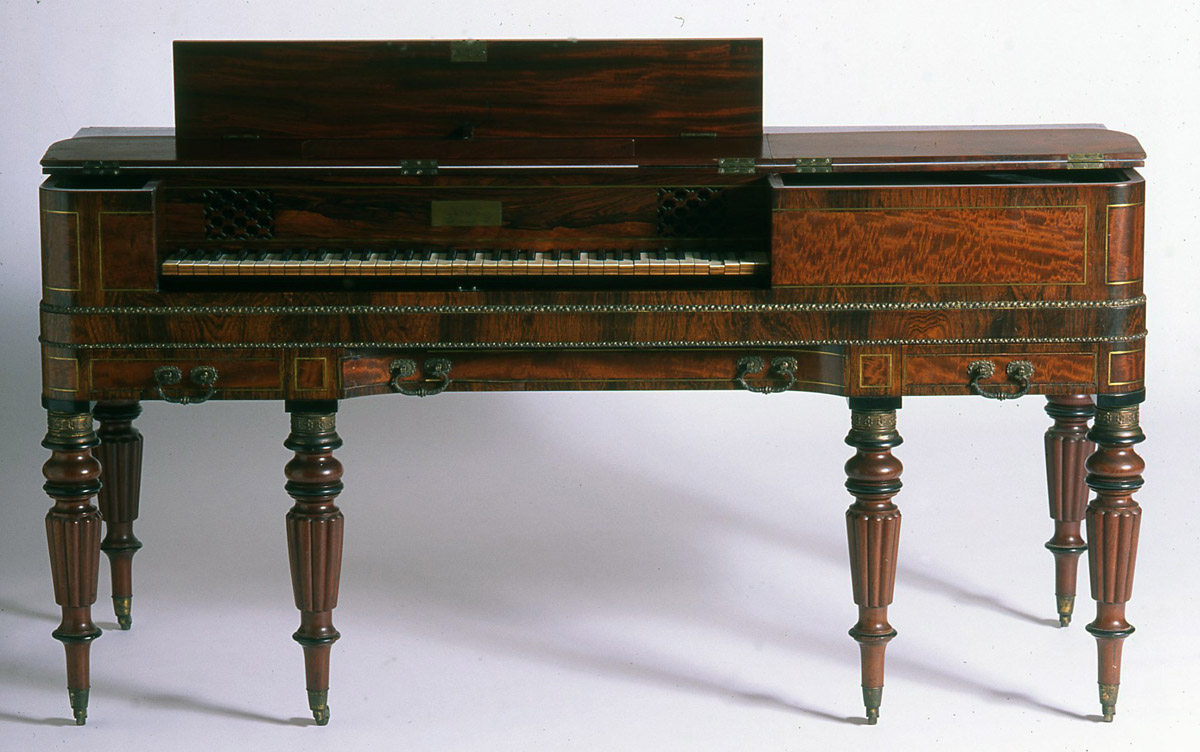 1989.0064 Piano (front view)