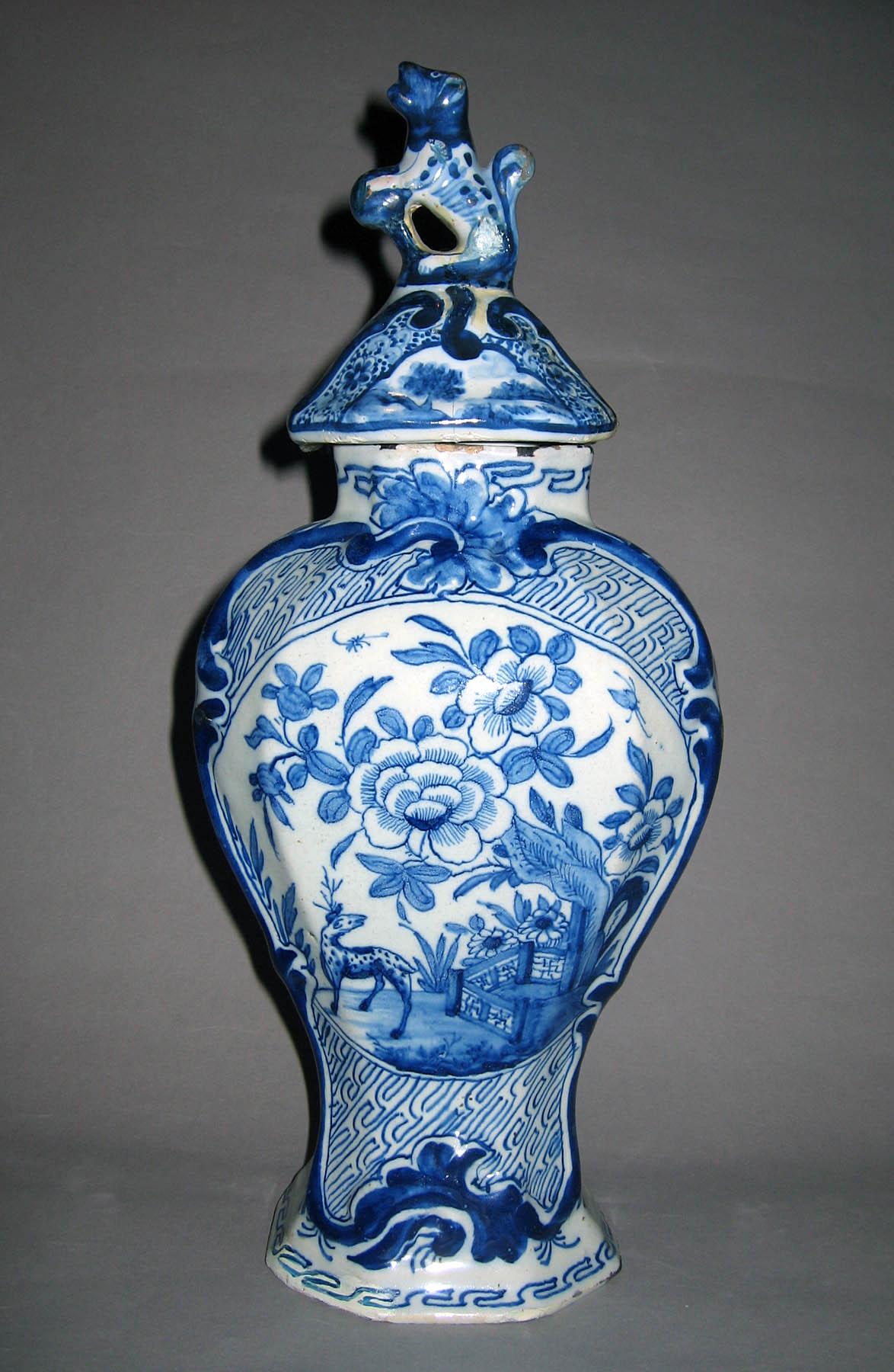 1960.0084.005 A, B Delft covered vase