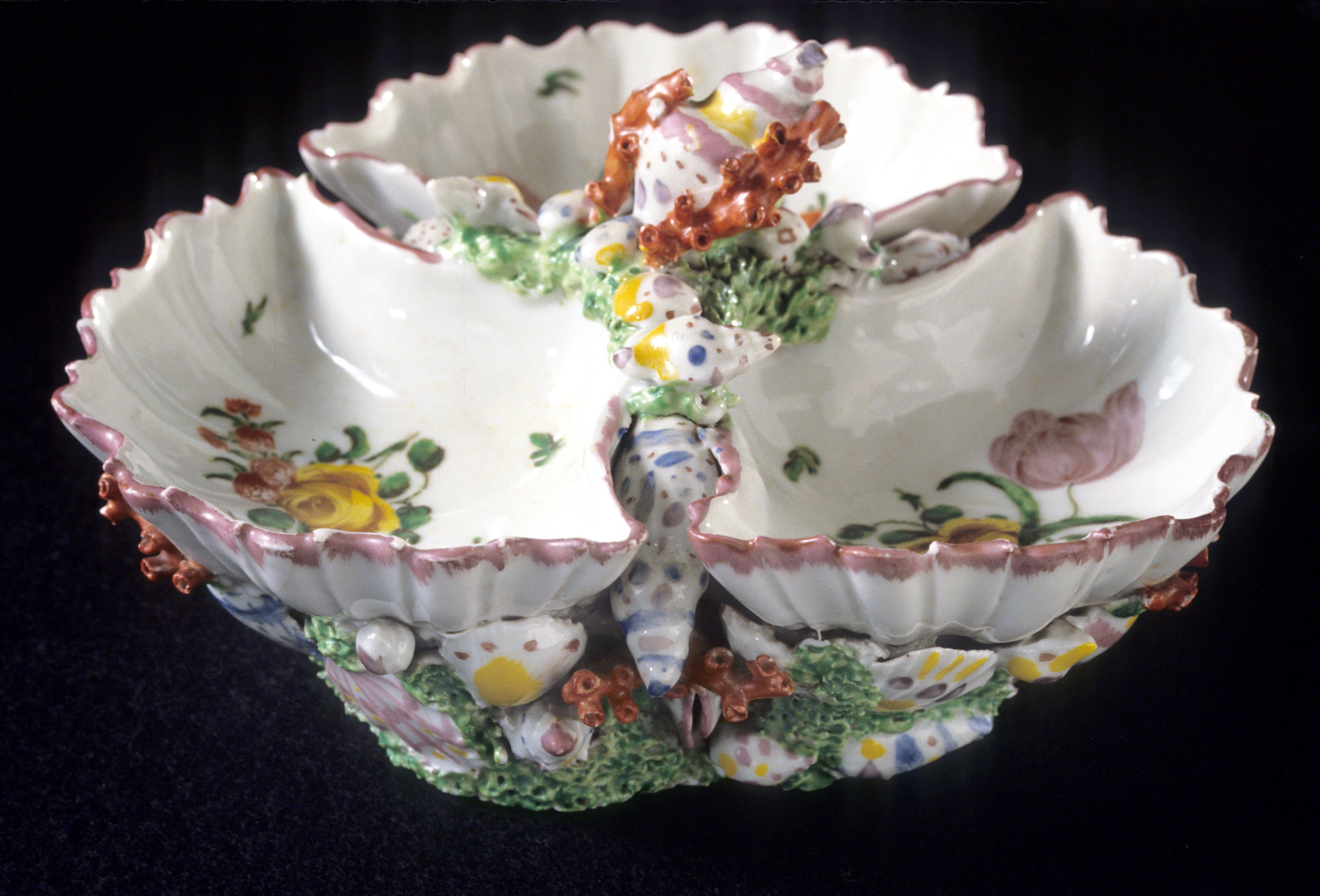 1978.0072 Plymouth porcelain sweetmeat dish