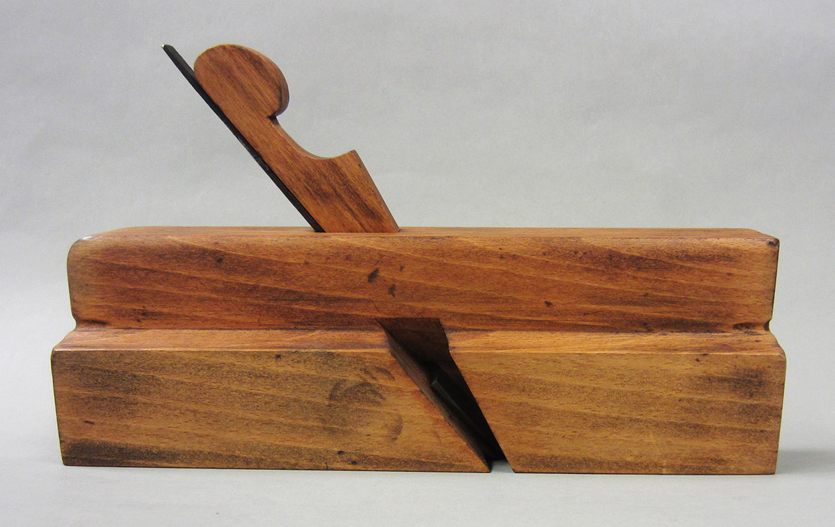 1995.0006.273 Molding plane, overall side 1