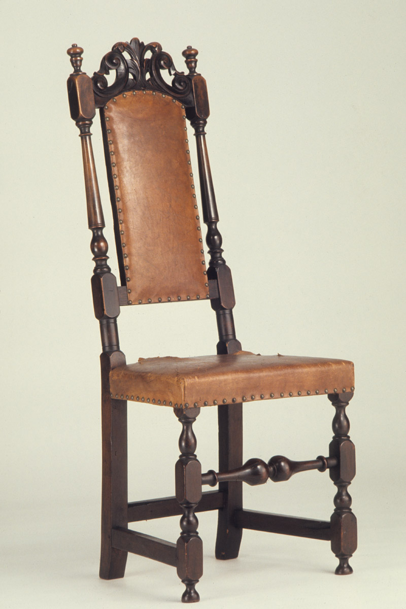 1954.0540 Chair, view 2