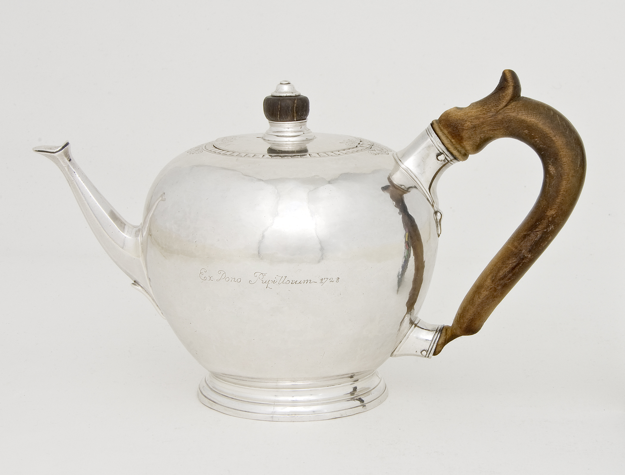 2016.0003 A, B Teapot, view 1, after conservation treatment, cropped