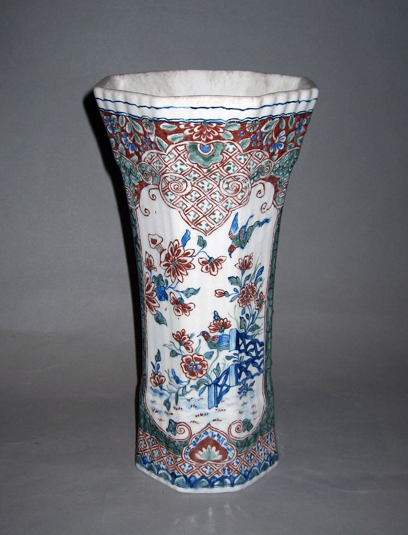 1982.0117.005 Earthenware vase