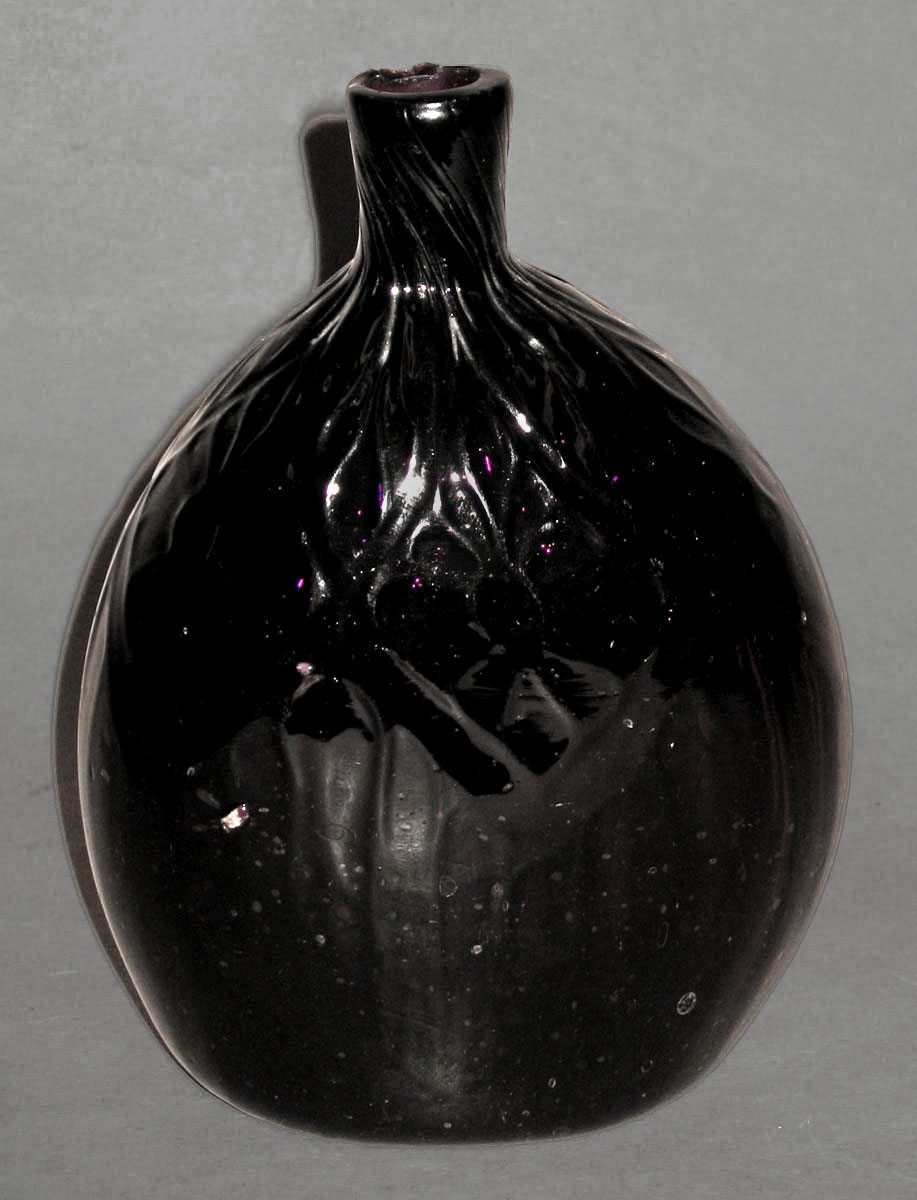 1959.3135 Amethyst glass flask