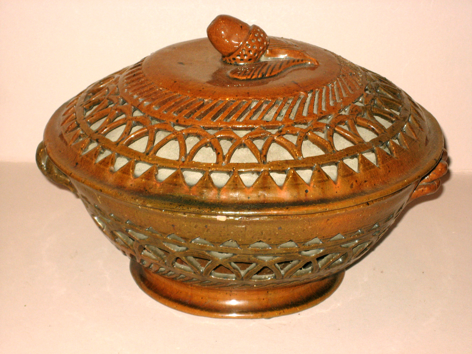 1967.1803 Bowl and Cover