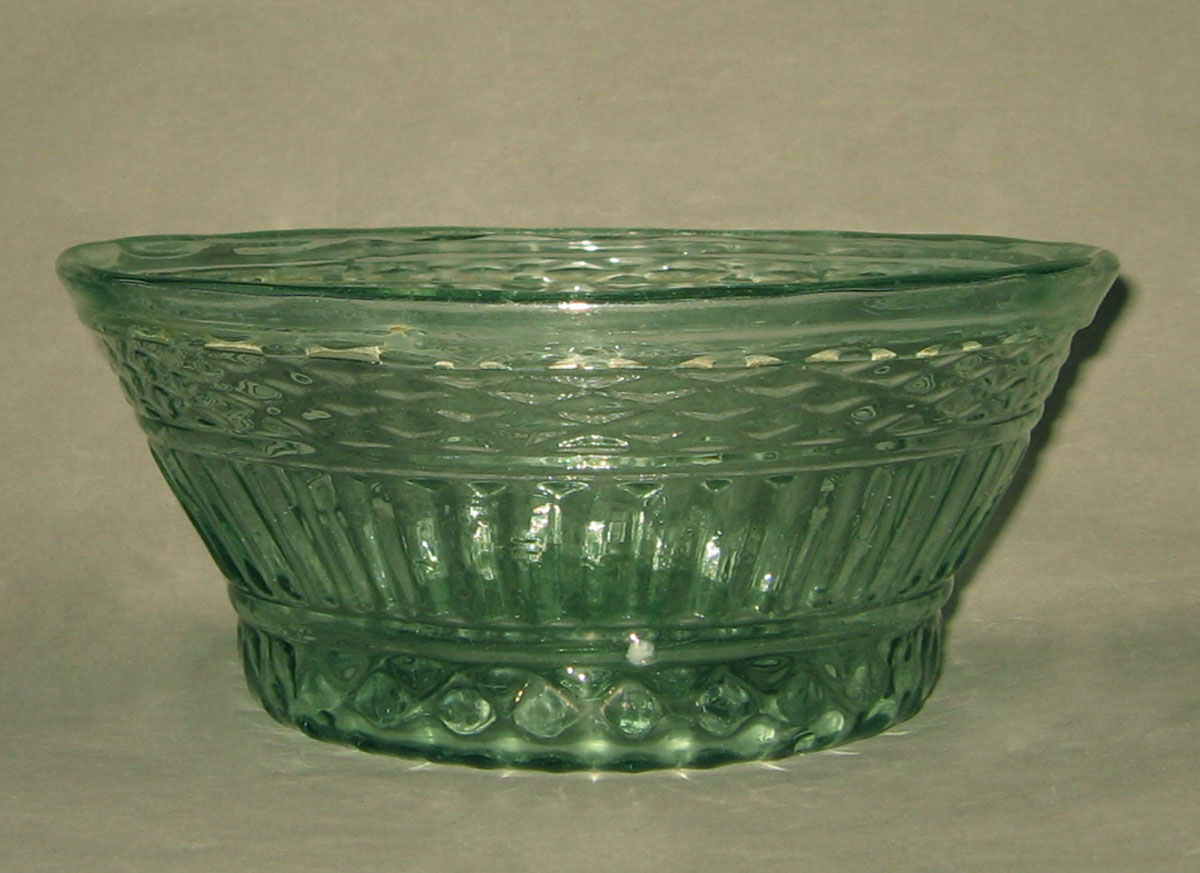 1954.0036.002 Glass bowl