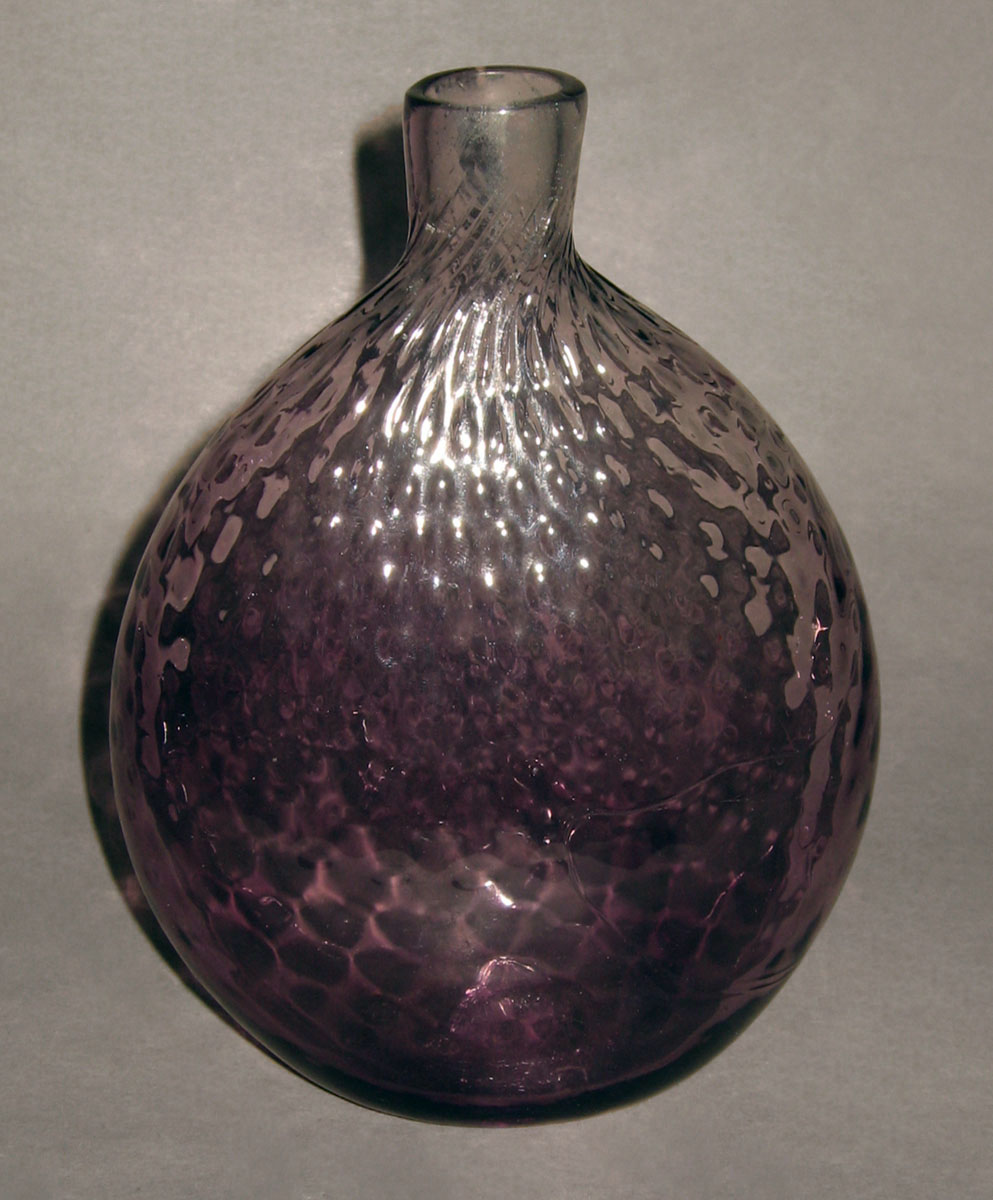 1954.0036.001 Glass flask