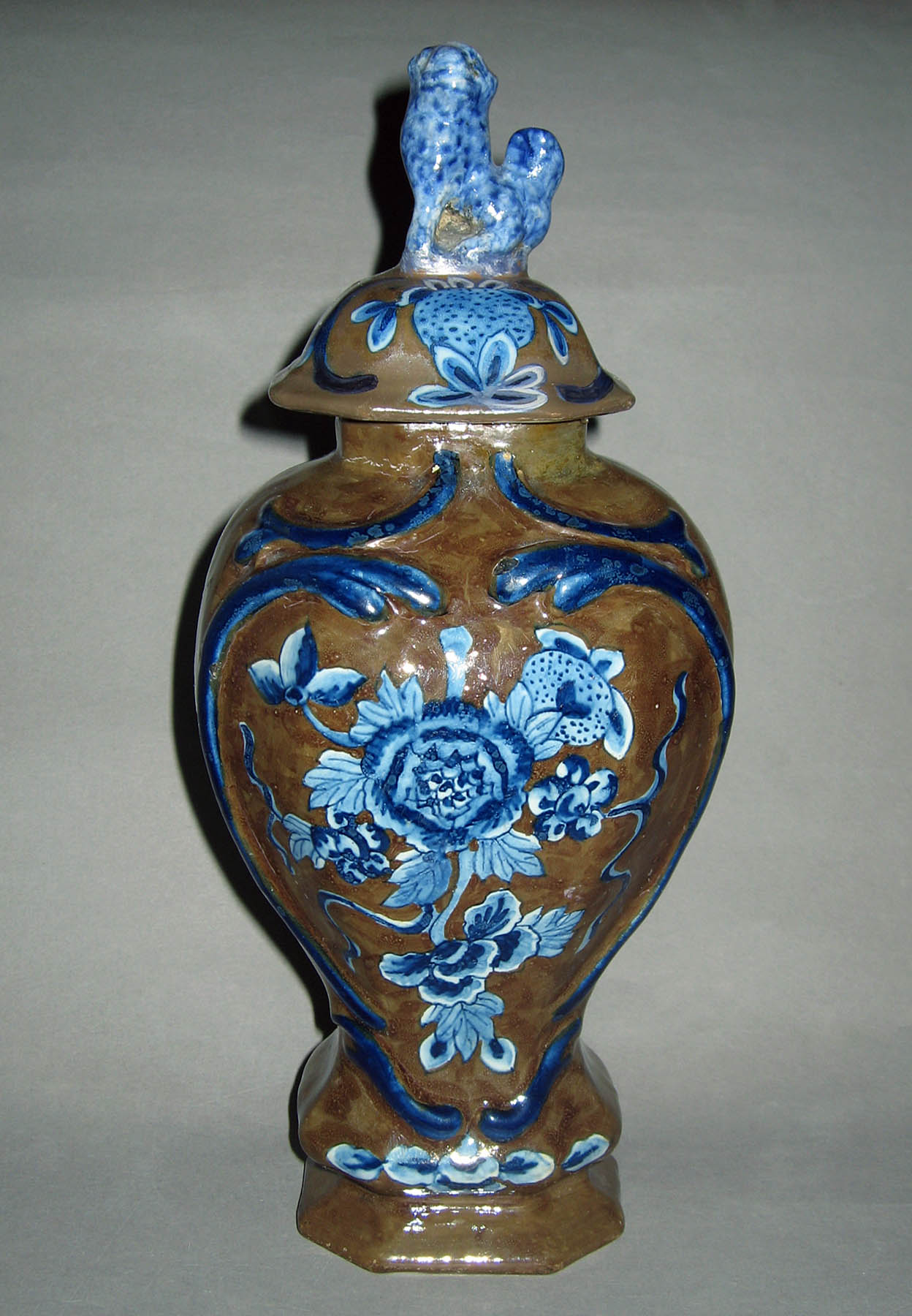 1953.0052.003 A, B Delft garniture vase
