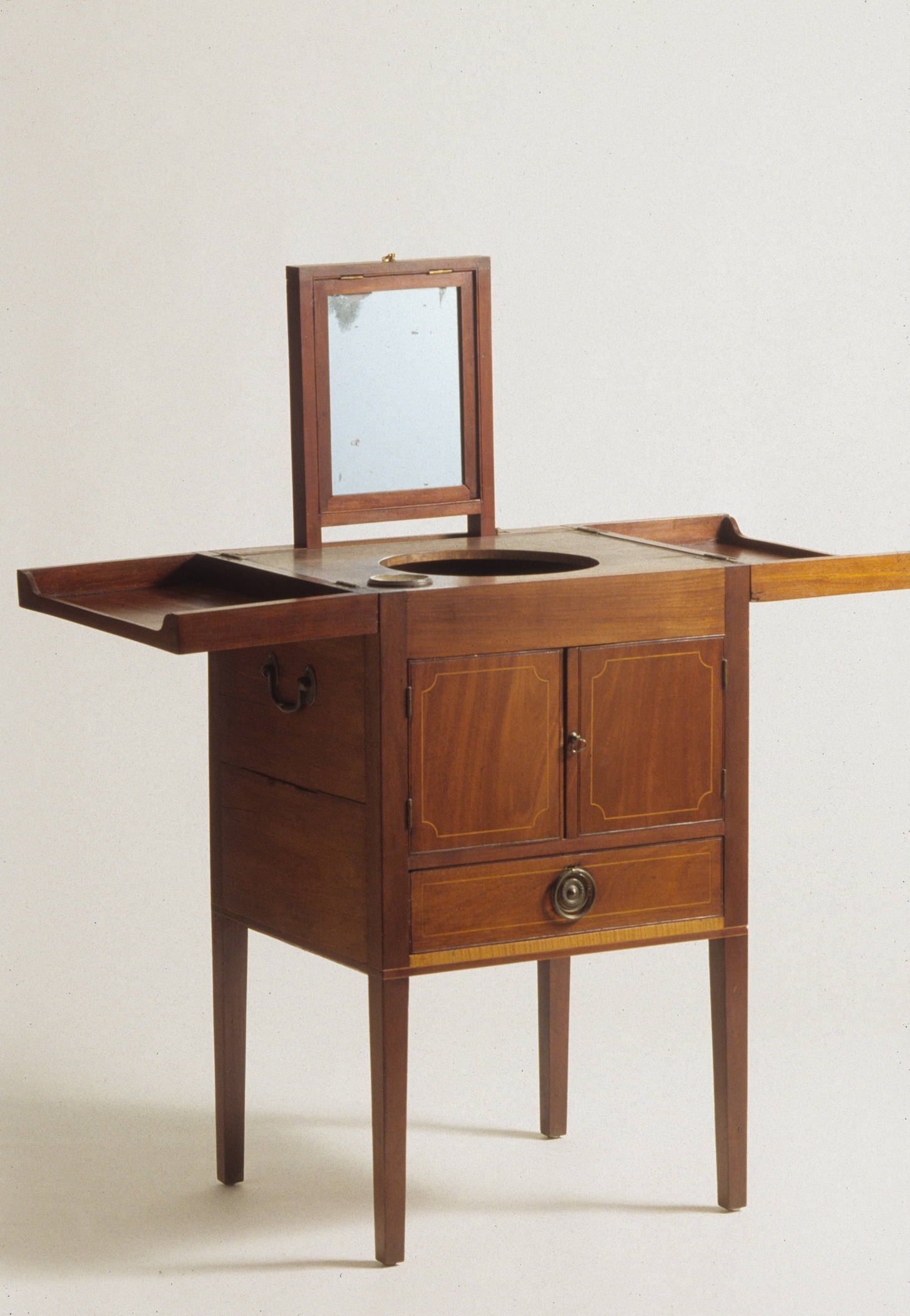 1969.1677 Stand, Wash stand, front view 1