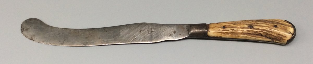 1958.0067.007 Knife, view 1
