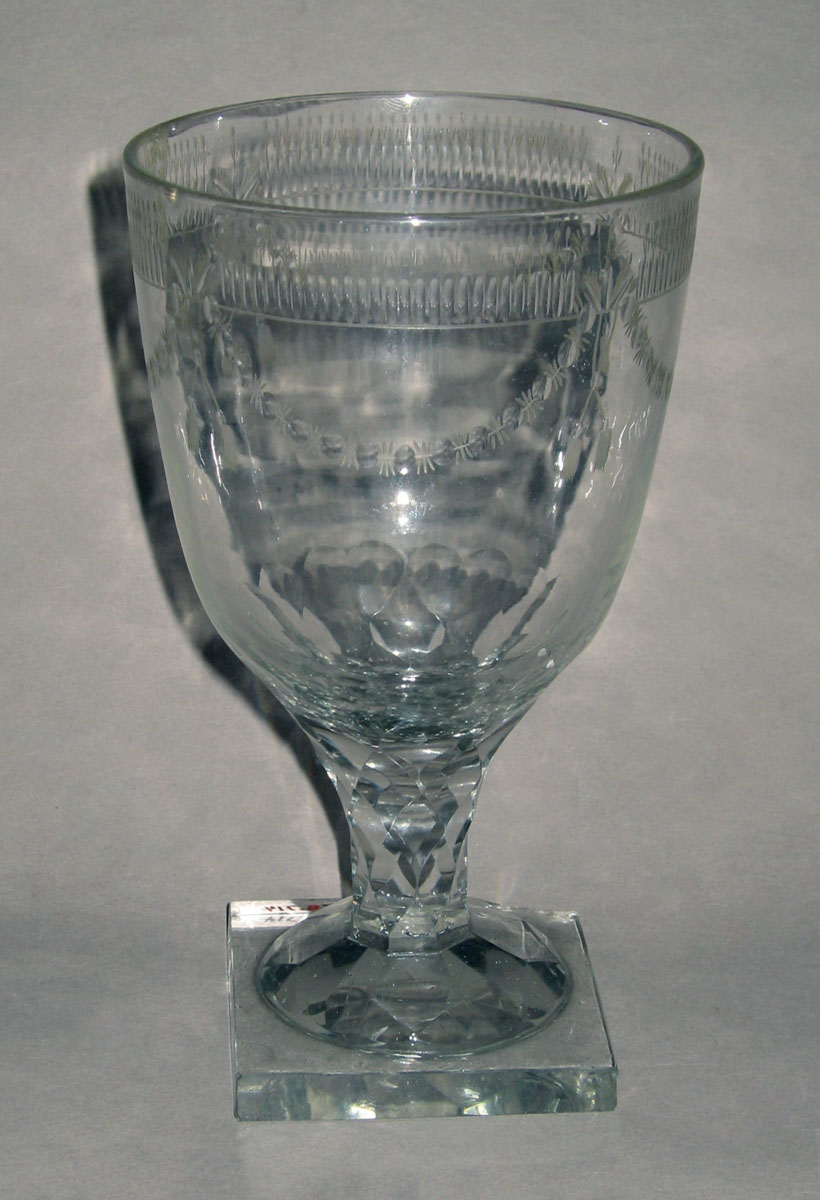 1968.0714 Glass wineglass