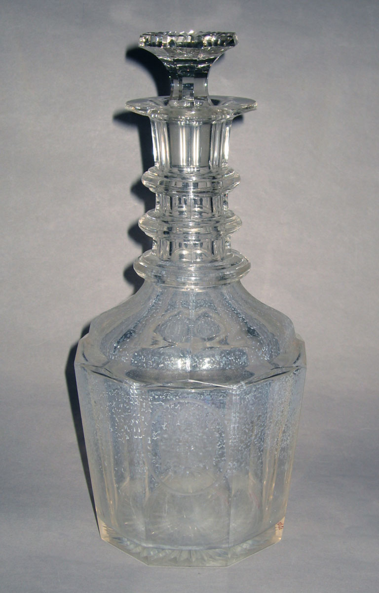 1963.0935.001 A, B Colorless glass decanter