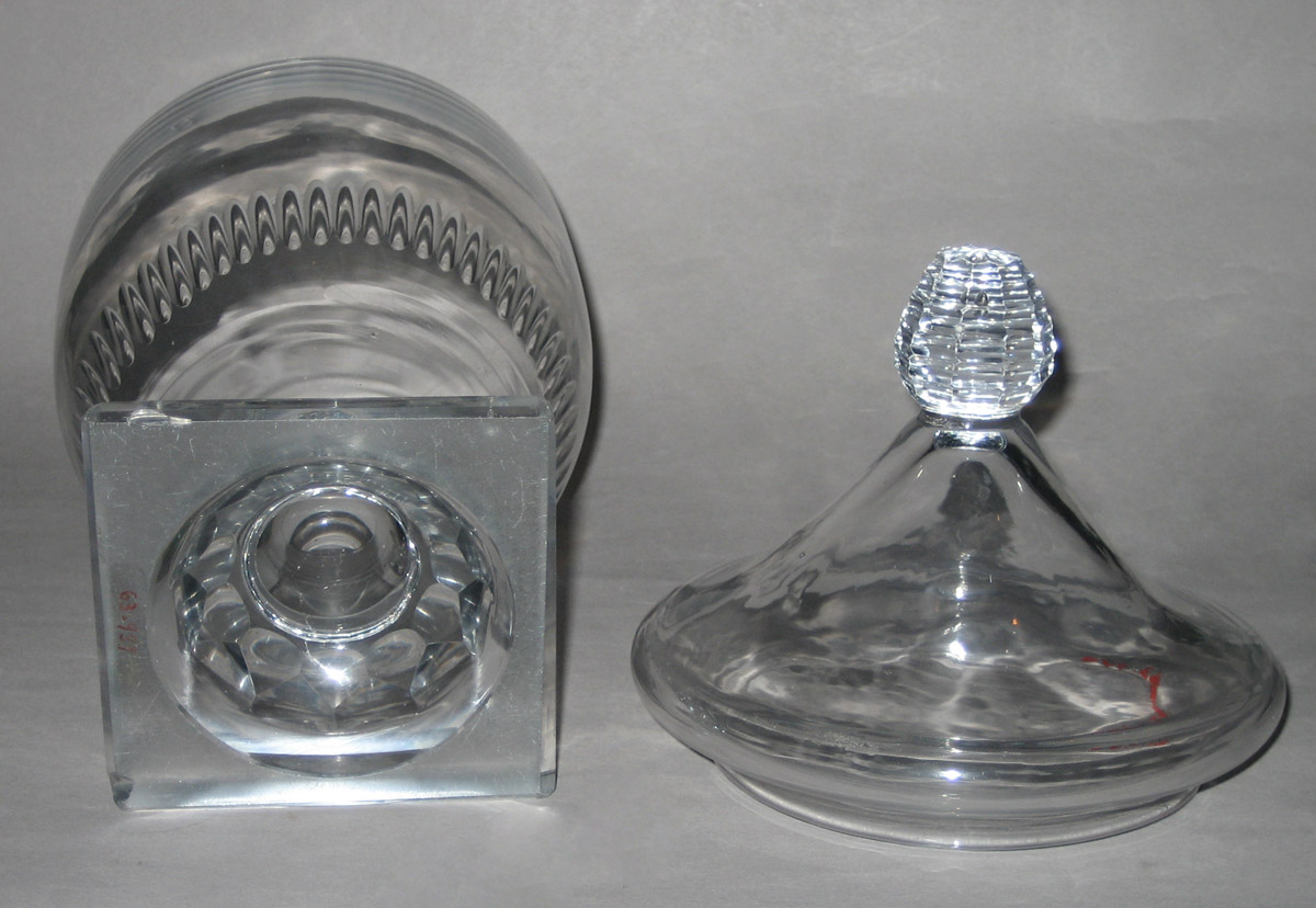 1963.0939, 1963.0940 Glass bowl and cover (apart)