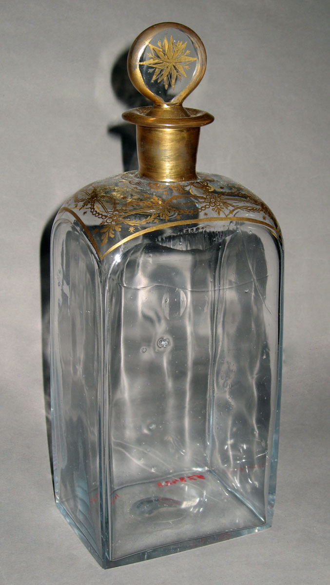 1957.0842 R Glass case bottle