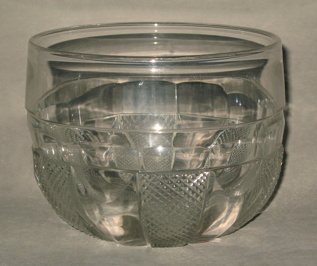 1955.0145.002 Glass bowl