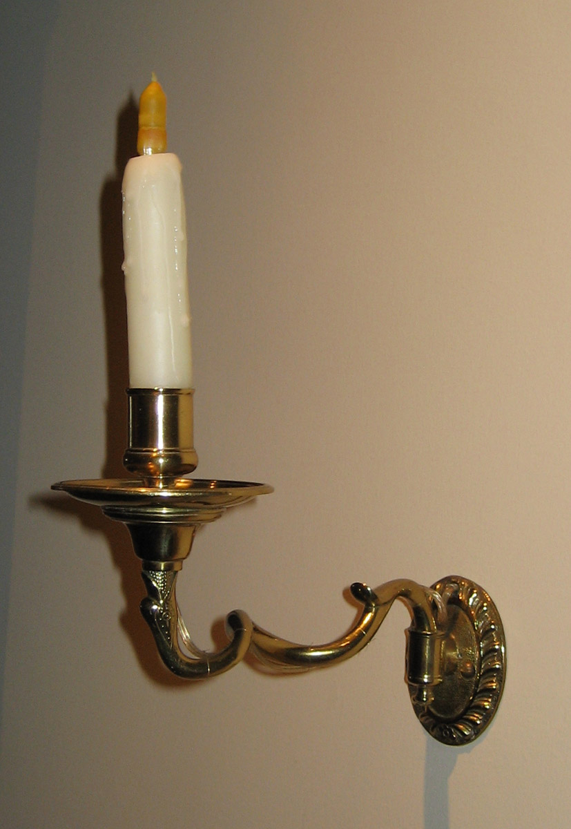1952.0222.002 Sconce