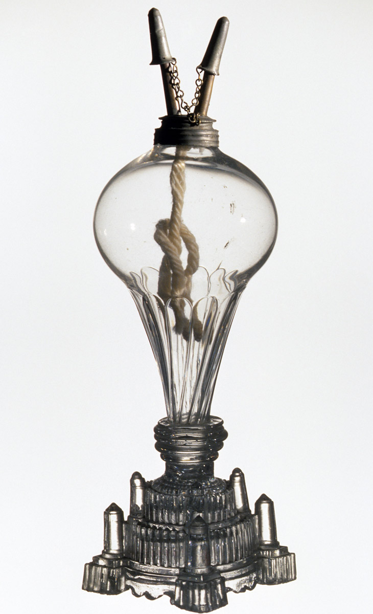 1959.1131 Glass oil lamp