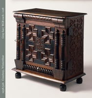 Chest of drawers - S...