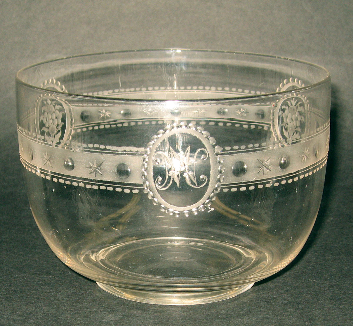 2002.0021.001 Glass finger bowl