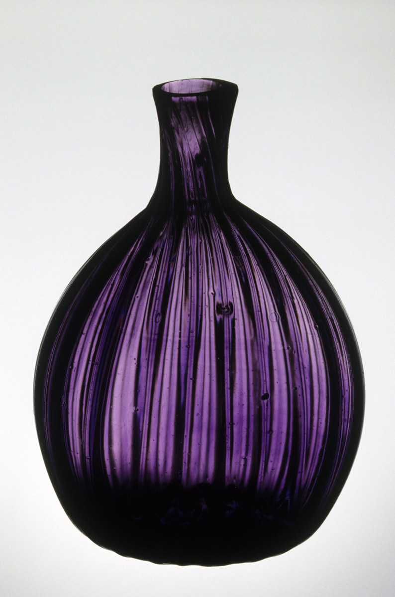 1951.0057 Glass flask