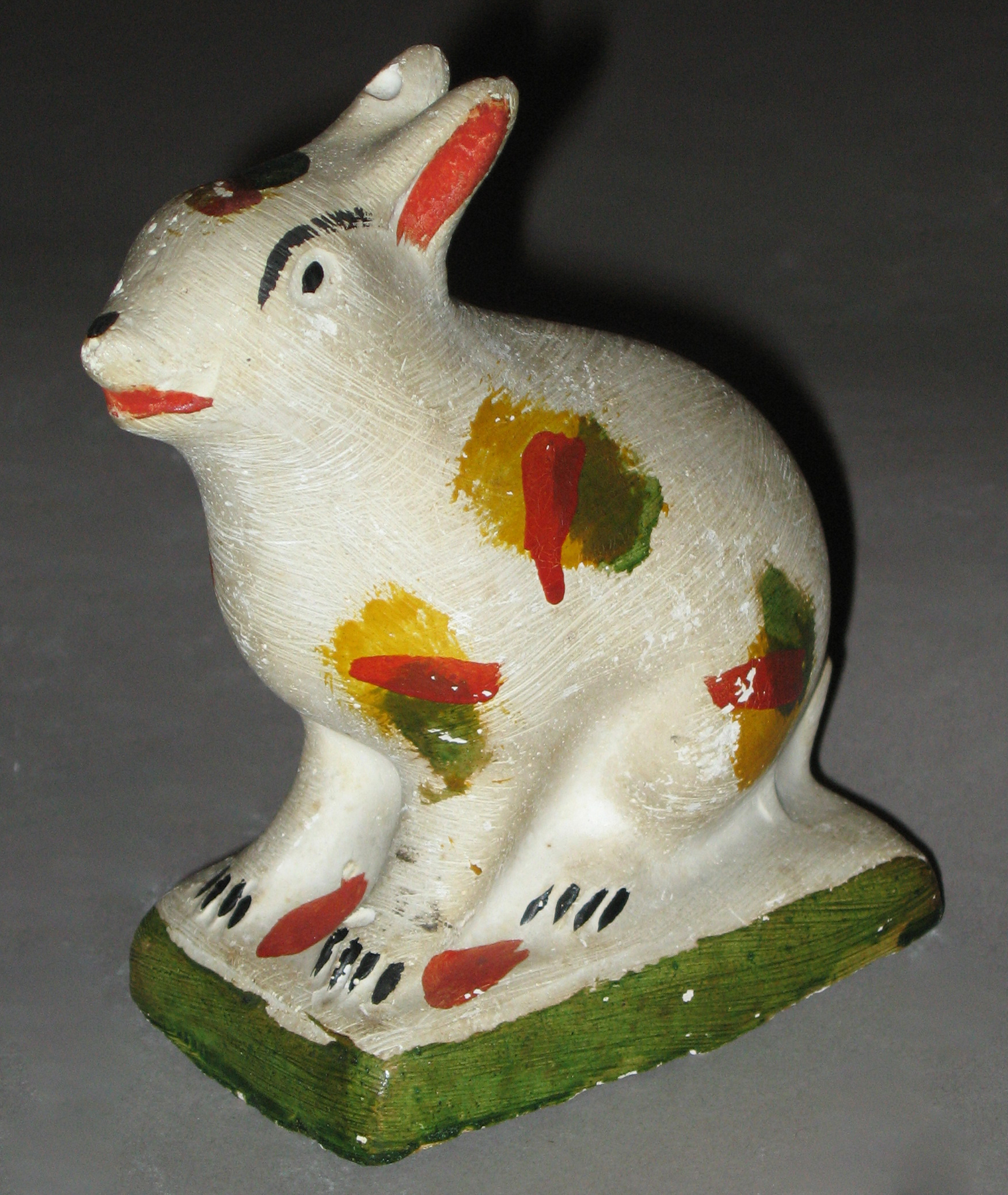1964.1662 Chalkware rabbit