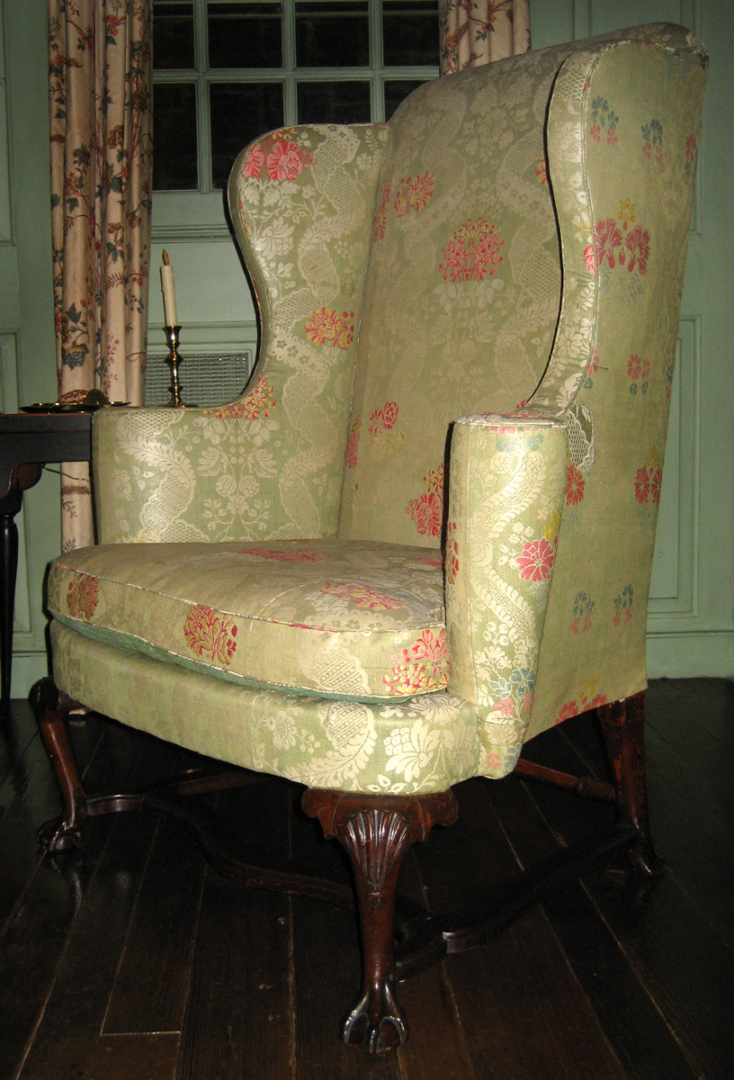 1951.0021 chair with 1989.0518 cushion view 1