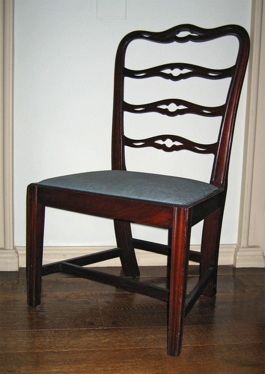 1957.1079.002 chair with slip seat view 1