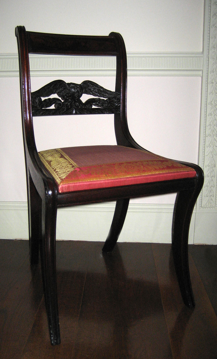 1957.0939.002 chair with slip seat view 1