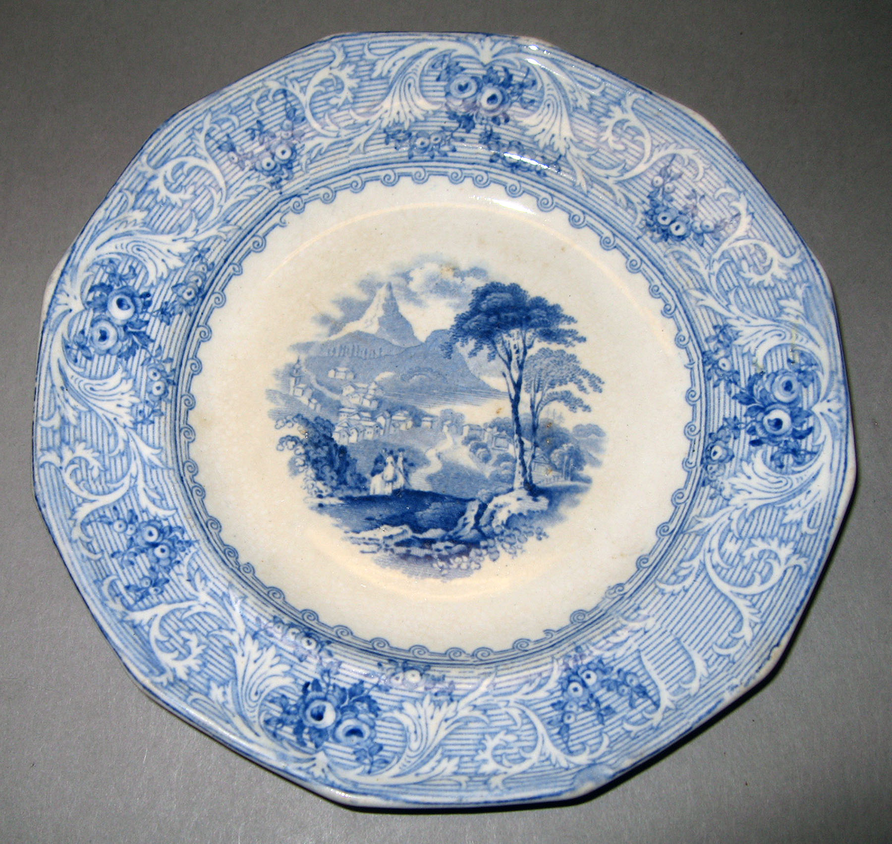 1969.1597 Earthenware plate
