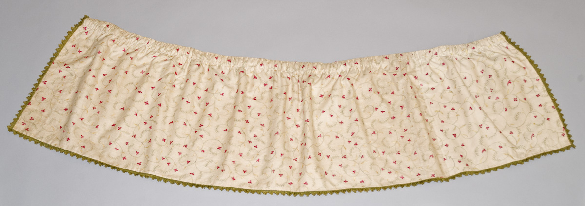 1952.0341.3F bed hanging, base valance