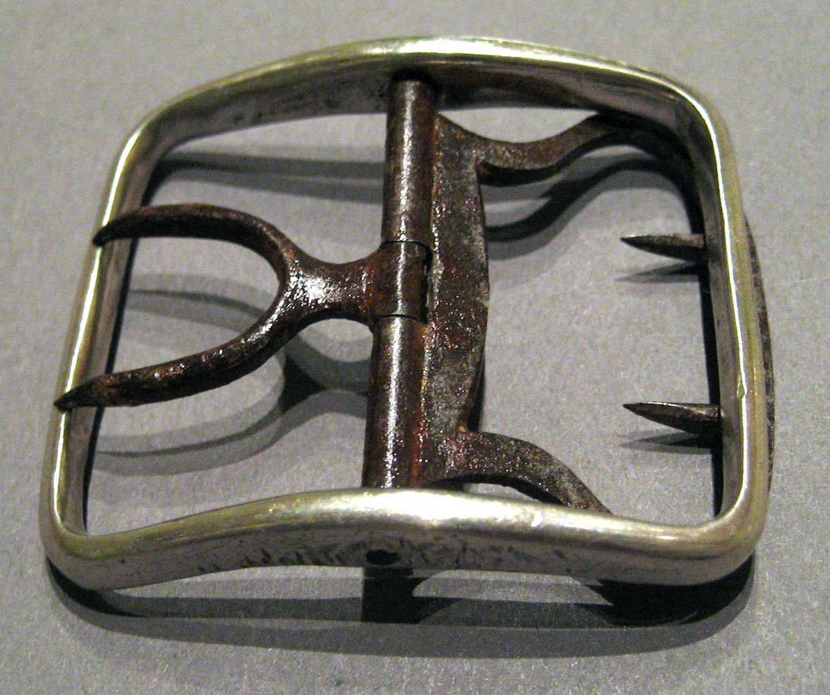 1958.1962.002 Silver Buckle upper surface