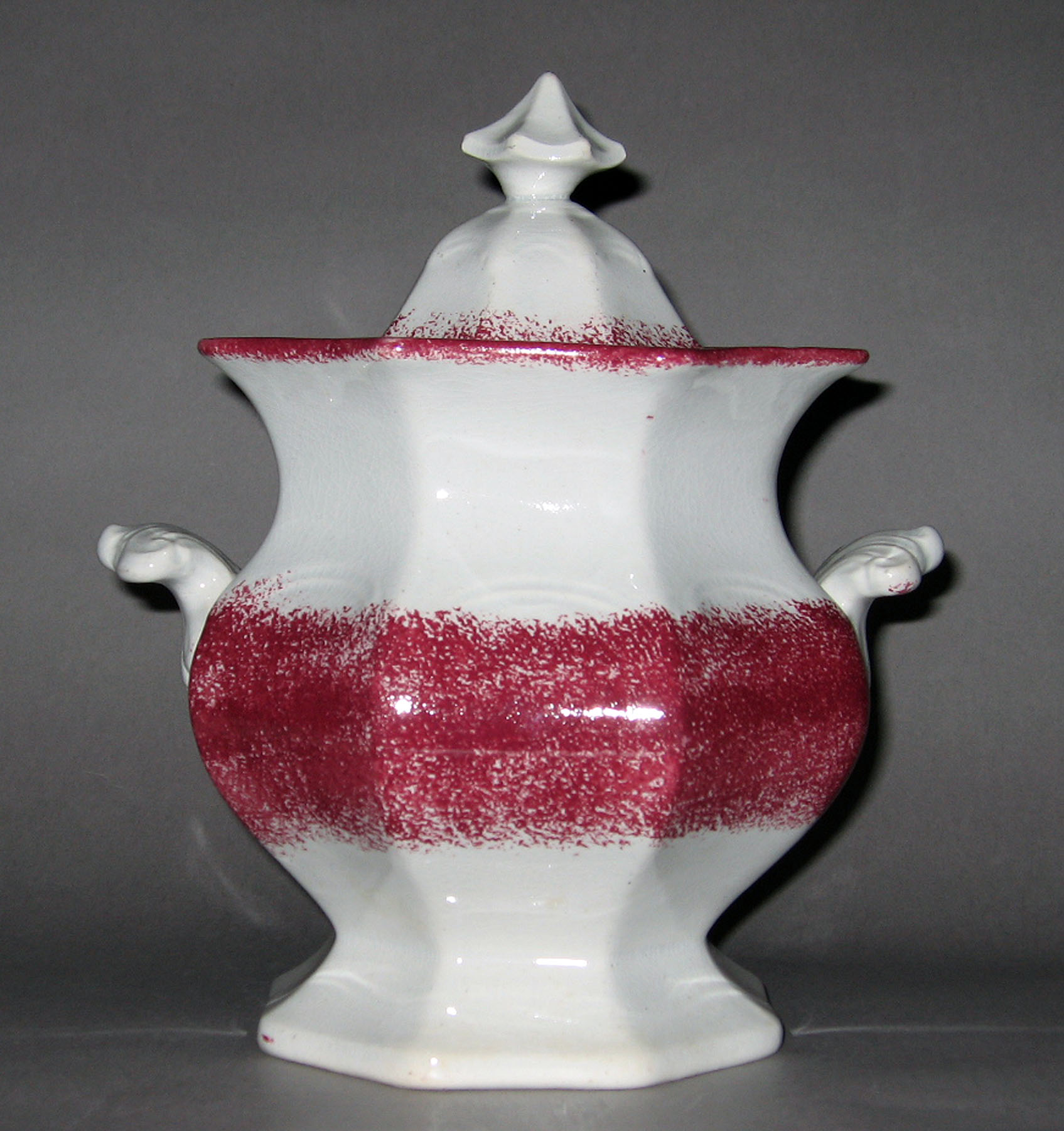 1965.0750 Spatterware sugar bowl