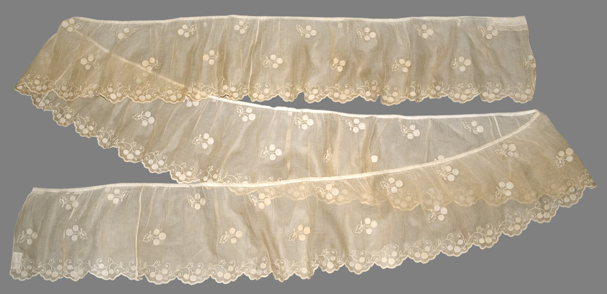 1952.0347.002 Bed Hanging, Valance