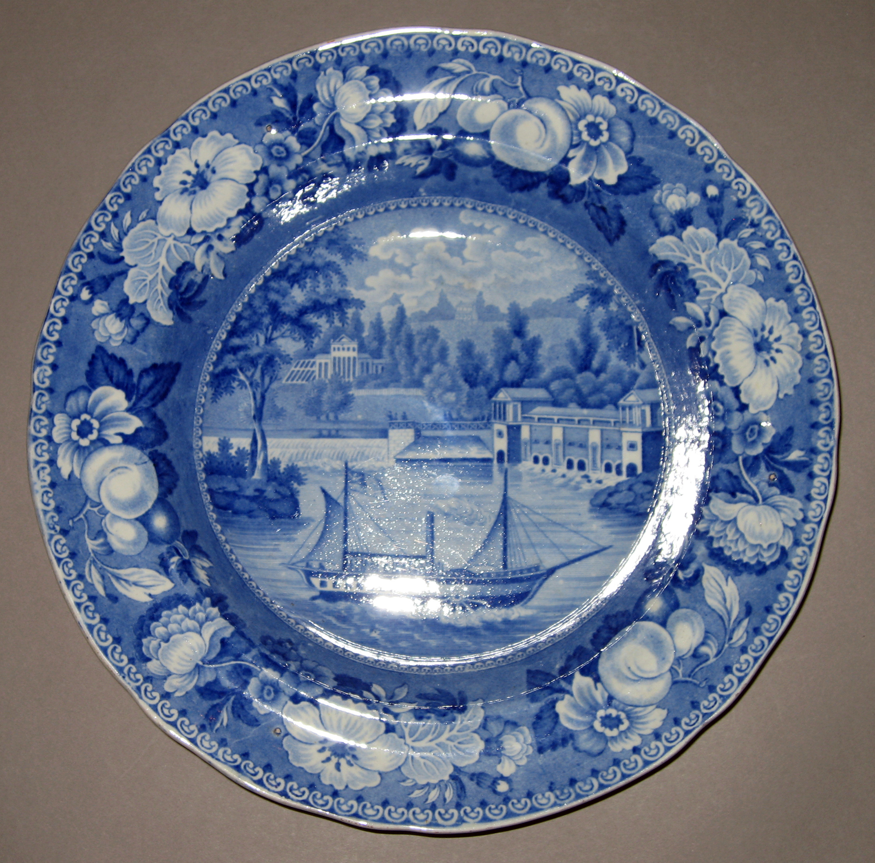 1958.2209.003 Soup plate